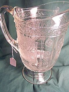 "Previous Pinner says: ""Gorgeous pink Depression glass pitcher. I see it filled with water and floating rose petals. Still, a lovely piece."" Yes, it is beautiful. Antique Dishes, Antique Glassware, Vintage Dishes, Vintage Pyrex, Glass Pitchers, Glass Dishes, Vaseline, Cut Glass, Glass Art"