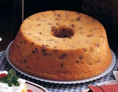 Old-Fashioned Black Walnut Pound Cake
