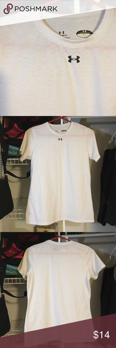 Under Armour tee Size men's S white tee with under armour logo in the middle of the collar bones. Perfect conditions! No signs of wear nor rip stains or stretches! Under Armour Shirts Tees - Short Sleeve