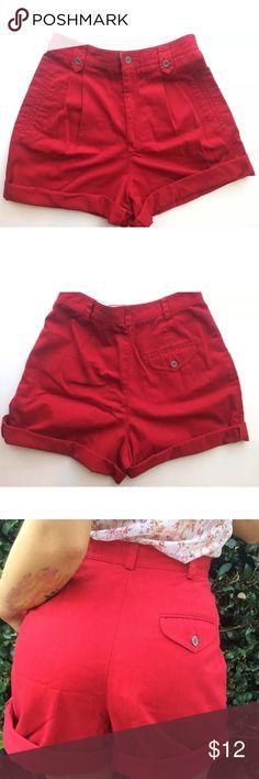 Liz Claiborne Liz sport high waisted shorts size 8 Red great condition size 8/medium Liz Claiborne Shorts