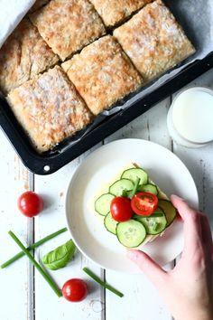 Helppo kaurapeltileipä - Suklaapossu Bun Recipe, Savory Snacks, French Toast, Tasty, Breakfast, Recipes, Buns, Breads, Food