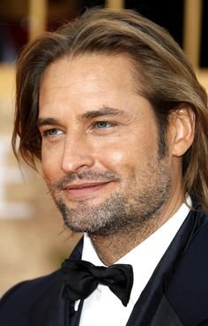 Josh Holloway - Not usually my type, but boy oh boy, do I love me some Sawyer.