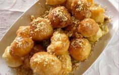 Sugarprincess: Greek yeast balls with honey syrup, walnuts and cinnamon - Loukoumades! -: Sugarprincess: Greek yeast balls with honey syrup, walnuts and cinnamon - Loukoumades! Easy Smoothie Recipes, Easy Smoothies, Vegan Recipes Easy, Snack Recipes, Easter Recipes, Pie Recipes, Greek Pastries, Sweet Butter, Honey Syrup