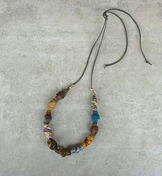 Collana fatta a mano in stile etnico in sete riciclate di aBimBeri