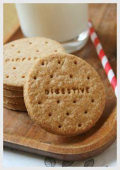 Galletas Digestive (sin azúcar) Digestive Cookie Recipe, Digestive Cookies, Cookies Light, Sugar Free Cookies, Tea Biscuits, Cookie Crumbs, Chocolate Caramels, Biscuit Cookies, Foods With Gluten
