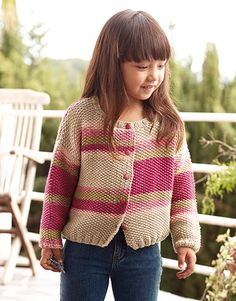 Revista Niños 77 Primavera / Verano | 13: Niños Chaqueta | Rosa Baby Cardigan Knitting Pattern Free, Knitted Baby Cardigan, Knitting Patterns Free, Free Knitting, Baby Knitting, Crochet Baby, Big Knits, Knitting For Kids, Baby Patterns