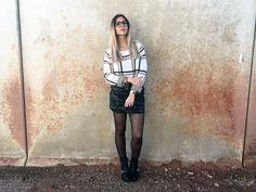 PLAIDS AND TACK - El Armario de Vero #fetishpantyhose #pantyhosefetish #legs #heels #blogger #stiletto #pantyhose #black