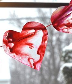 This sweet window decoration from craft columnist Andrea Tomkins is officially a Valentine's Day project, but it could really decorate your home all year round! Cute Crafts, Crafts For Kids, Diy Crafts, Wax Paper Crafts, Melted Crayon Heart, Valentine Day Crafts, Valentine Ideas, Crayon Art, Melting Crayons