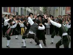 ▶ Rabbi Jacob y' va danser ! - YouTube