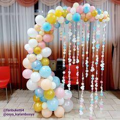 Fantasy garland for wedding decoration cafe. - New Deko Sites Birthday Balloon Decorations, Birthday Balloons, Baby Shower Decorations, Wedding Decorations, Garland Wedding, Balloon Columns, Balloon Arch, Balloon Garland, Unicorn Birthday Parties