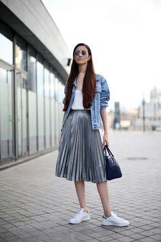 15 Ideas: How To Style A Midi Skirt