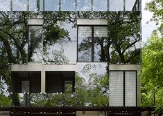 548 Stradbrook is an apartment building in Canada covered in reflective glazing