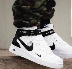 New sneakers nike outfit fashion jordan shoes Ideas Cute Sneakers, New Sneakers, Sneakers Fashion, Nike Fashion, Sport Fashion, Fashion Outfits, Cute Sneaker Outfits, Sneakers Workout, Fashion Ideas