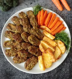 BROKOLİ KÖFTESİ – Vejeteryan yemek tarifleri – Las recetas más prácticas y fáciles Chicken Wings, Carrots, Sausage, Food And Drink, Healthy Recipes, Vegetables, Cooking, Burgers, Allah