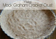 No Bake Graham Cracker Pie Crust (THM S) This mock graham cracker crust is mind-blowing! If you are gluten/sugar/grain free, and have been missing that graham cracker flavor in your desserts, you HAVE to try this. Sugar Free Sweets, Low Carb Sweets, Low Carb Desserts, Healthy Sweets, Healthy Food, Pudding Desserts, Graham Cracker Crust, Graham Crackers, Trim Healthy Momma
