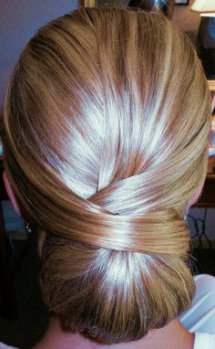 Elegance Love This Chic Hairstyle