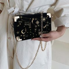 Cute Purses, Purses And Bags, Fashion Bags, Fashion Accessories, Gowns Of Elegance, Girls Bags, Cute Bags, Luxury Bags, Shoulder Handbags