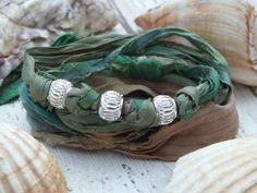 Gypsy Boho Wrap Bracelet  Bijoux Hippie  par AmberlillysHandmade