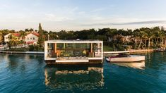 Dutch architecture studio Waterstudio.NL has created a solar-powered electric yacht-cum-villa with retractable stilts that allow it to be raised fully out of the water to become an off-grid home. Norman Foster, Vincent Callebaut, Agriculture, Sliding Glass Windows, Off Grid System, Floating Architecture, Solar, Boat Lift, Miami