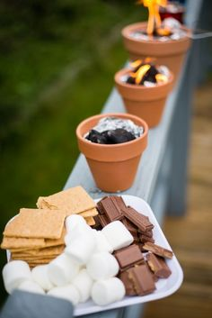 Genius Backyard Barbecue Ideas Make DIY S'more Pots: What's an outdoor party without some s'mores? Guests will love these adorable, individual desserts. Click through to find more fun summer party ideas for your next backyard BBQ party. Mini Desserts, Individual Desserts, Party Desserts, Party Snacks, Party Sweets, Wedding Desserts, Pinterest Party, Soirée Bbq, Bbq Diy