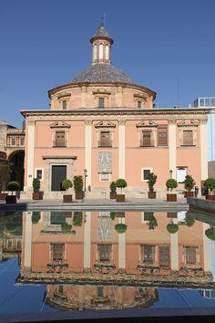 Valencia - oldtown  - Basílica de la Virgen de los Desamparados