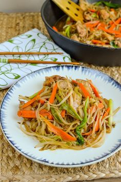 Chicken Chop Suey | Slimming Eats - Weight Watchers and Slimming World Recipes Wrap Recipes, Asian Recipes, Ethnic Recipes, Chinese Recipes, Chinese Meals, Chinese Food, Slimming Eats, Slimming World Recipes, Chop Suey Recipe Chinese