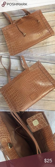 Tan Crocodile Purse Liz Claiborne Tan Crocodile Purse Liz Claiborne in excellent condition/like new. Several inside zipped compartments for ultimate convenience. Super cute for on the go! Measurements of height and width are pictured. No trades Liz Claiborne Bags Shoulder Bags