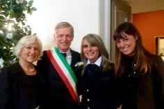 Stamattina è andata così...dopo di me ha celebrato i matrimoni civili a Torino l'On. Gianni Cuperlo! #torino #matrimonicivili