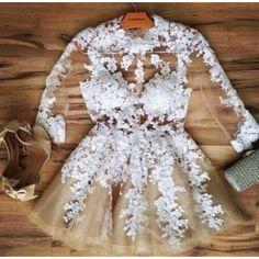 Lindo vestido curto de tule com rendas florida, manga três quartos Cintura…