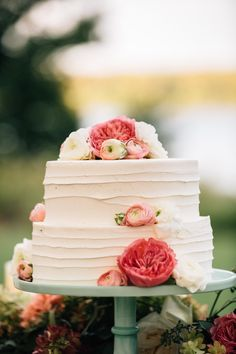Wedding Cake. Maggie Bride Shannon wore Melanie with custom sleeves by Maggie Sottero at her classic and ethereal Hudson Valley wedding   The Melideos Photography