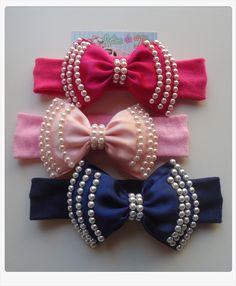 """Faixa Malha mega confortavél,não aperta e nem machuca cabecinha da bebê .. Tamanho do Laço 12 cm ***** Mais detalhes, cores e estampas consulte-nos através do pedido ou no ícone verde ao lado, """" contatar vendedor"""". Ribbon Art, Ribbon Hair Bows, Girl Hair Bows, Ribbon Crafts, Hair Bow Tutorial, Flower Tutorial, Baby Bows, Baby Headbands, Felt Hair Accessories"""