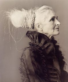 portrait by hannah radley-bennett. I love it when older women keep their hair long. Beautiful Old Woman, Beautiful People, Miss Mary, Advanced Style, Advanced Beauty, Ageless Beauty, Ethereal Beauty, Portraits, Aging Gracefully