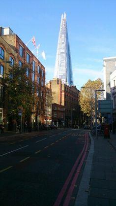 Oud vs nieuw, the Shard, Londen. Old vs new, london