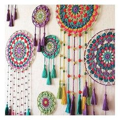 Bohostyle Dream catchers bright color knitted dream catchers handmade wall decor home decor wall hanging dream catcher - Her Crochet Dream Catcher Patterns, Dream Catcher Decor, Boho Diy, Bohemian Decor, Bohemian Style, Macrame Patterns, Crochet Patterns, Diy Décoration, Diy Crafts
