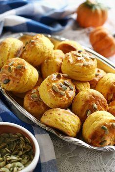 Juditka konyhája: ~ SÜTŐTÖKÖS POGÁCSA ~ Bakery Cakes, Pretzel Bites, Dessert, Vegan, Potatoes, Bread, Meals, Vegetables, Food