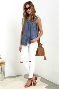 Simple Fashion Tips Courtesy Collar Blue Chambray Top.Simple Fashion Tips Courtesy Collar Blue Chambray Top Outfit Jeans, Tomboy Outfits, Mode Outfits, Jean Outfits, Blazer Jeans, Comfy Outfit, Club Outfits, Summer Work Outfits, Summer Outfits Women