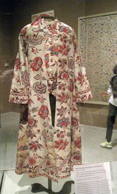 Man's Morning Gown (Banyan) and Waistcoat France, 1770–90 the gold leaf would have glittered in candlelight