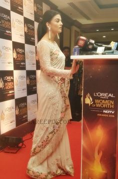 aishwarya rai in saree, tarun tahiliani saree designs% Aishwarya Rai Cannes, Actress Aishwarya Rai, Aishwarya Rai Bachchan, Tarun Tahiliani, Manish Malhotra Designs, Womens Worth, Beautiful Saree, Beautiful Gif, Saree Photoshoot