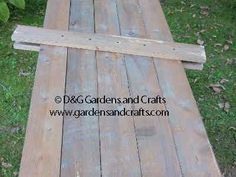 How to make a two-sided pallet scarecrow/snowman Pallet Crafts, Pallet Art, Wooden Crafts, Pallet Ideas, Pallet Wood, Pallet Benches, Pallet Tables, Outdoor Pallet, 1001 Pallets