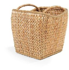 SWEATER WEAVE VINEYARD BASKET is made up of palm leaves braided into a tight pattern with rattan framing for maximum support. Look closely and you'll instantly think of that favorite cable cardigan
