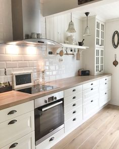 Kitchen From Ikea Behindabluedoor Home Design In 2019 Cocina Home Decor Kitchen, Interior Design Kitchen, Country Kitchen, New Kitchen, Home Kitchens, Cosy Kitchen, Kitchen Units, Kitchen Island, Cuisines Design