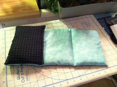 Folding heating pad