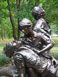 Vietnam Women's Memorial Statue in Washington DC. It depicts nurses helping the wounded