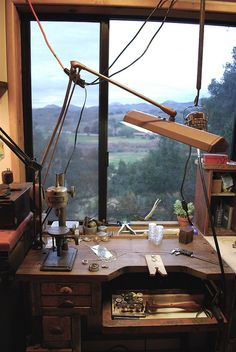 Johnny Ninos - jeweller's bench / studio with a fabulous view Atelier Home, Atelier D Art, Jewellers Bench, Workshop Studio, Dream Studio, Studio Studio, Woodworking Bench, Working Area, Art Studios