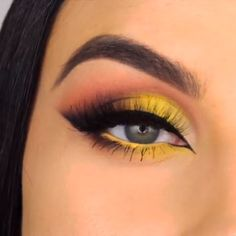 How to Make Blue Eyes Rock Makeup - Simple Makeup Tutorials & Ideas pink shimmy eyeshadow looks ideas step by step for beginners, eye makeup for pro. Makeup 101, Cute Makeup, Makeup Goals, Skin Makeup, Makeup Inspo, Makeup Inspiration, Beauty Makeup, Drugstore Beauty, Eyeshadow Looks