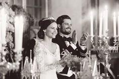 """Sofia Hellqvist + Prinz Carl Philip: """"Wir sind tief berührt von all der Liebe und Wertschätzung, die wir an unserem Hochzeitstag erleben durften"""", lassen Prinzessin Sofia und Prinz Carl Philip nach der Hochzeit mitteilen. """"Das Glück und die Freude, die Ihr uns gezeigt habt, bedeutet uns viel. Es ist eine wunderschöne Erinnerung, die wir für immer bei uns tragen werden."""""""