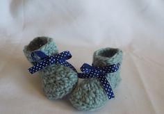 Baby booties, Wool baby boots,padraid baby slippers, Toddler boots,Crochet booties,Baby gift,Baby cloths,baby boy,baby girl,baby Ugg boots by dianasjoy on Etsy Toddler Boots, Baby Boots, Ugg Boots, Baby Uggs, Baby Slippers, Cloths, Crochet Necklace, Booty, Trending Outfits