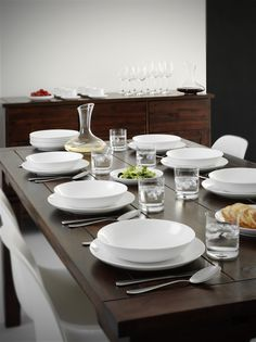 Make a simple and beautiful table setting with Atelier. #tablesetting #simple #design #aida #white #beautiful