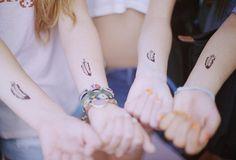 http://1.bp.blogspot.com/-tGoIh9abegY/T0Fyzm-SnBI/AAAAAAAAAcY/sfh9-J_RbBM/s640/tatouage+plume.jpg