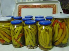 Canning Pickles, Pepperoni, Pickling Cucumbers, Ketchup, Celery, Food And Drink, Cooking Recipes, Vegetables, Conservation